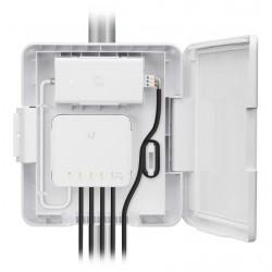 UBNT USW Flex Utility - venkovní box pro UniFi Switch Flex, PoE adaptér v balení